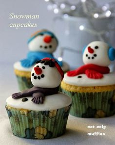 Adorable snowman made out of fondant is perfect way to decorate your cupcakes for Christmas or New Year. Mint Snowman Cupcakes are almost to cute to be eaten. Snowman Cupcakes, Holiday Cupcakes, Holiday Desserts, Holiday Treats, Christmas Sweets, Christmas Goodies, Christmas Baking, Fondant, Cake Pops