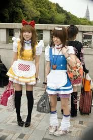 Lolita Girls in Handcuffs - Japan Pictures Harajuku Japan, Harajuku Girls, Harajuku Fashion, Kawaii Fashion, Lolita Fashion, Japanese Harajuku, Harajuku Style, Weird Fashion, Kids Fashion
