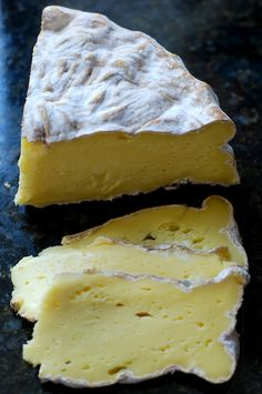 Dorset is a washed rind cow milk cheese from the Consider Bardwell Farm in… Milk And Cheese, Wine Cheese, Gourmet Cheese, Charcuterie, Wine Recipes, Cooking Recipes, Fromage Cheese, Camembert Cheese, Tapas