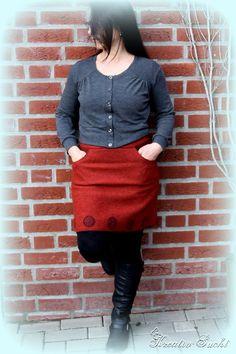 ♥ Kreativ - Sucht ♥: Jenna Cardi Red Skirts, Sewing Ideas, Leather Skirt, Patterns, Style, Fashion, Addiction, Creative, Block Prints