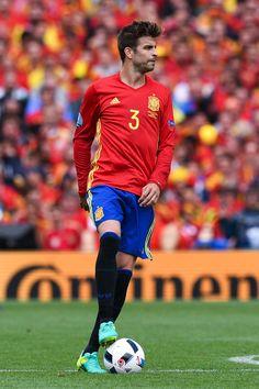Gerard Piqué-Spain
