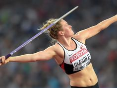 2015 World Track and Field Championships Sports Day, Usa Today Sports, Anatomy Reference, Art Reference, Female Athletes, Women Athletes, Comic Art Fans, Javelin Throw, Helmet Logo