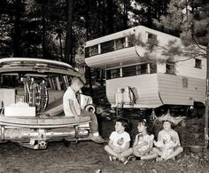 Those trees in the grove behind the stands aren't nearly old enough. Teardrop Camper Trailer, Car Trailer, Vintage Campers Trailers, Camper Trailers, Vintage Rv, Vintage Photos, Vintage Style, Family Camping, Go Camping