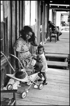 Hiroji Kubota USA. Clarksdale, Mississippi. 1969. A mother and her children.