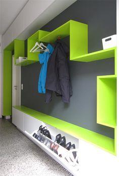 m-rs-garderobe-schuhe-jacken Kindergarten Interior, Entry Hall, Kids Corner, Kid Spaces, Ikea Hack, Colorful Decor, Mudroom, New Homes, Design Inspiration