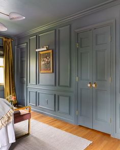 Sharing one of my favorite before/after views of our home. Installing molding + painting the ceiling the same color as the walls created an… Küchen Design, House Design, Design Ideas, Home Interior, Interior Design, Interior Doors, Master Bedroom, Bedroom Decor, Blue Bedroom