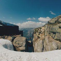 Don't look down. Norway, Mount Rushmore, Hiking, Mountains, Nature, Travel, Beautiful, Walks, Naturaleza