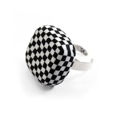 Checkerboard ring, sterling silver and polymer clay by Dorothée Vantorre / Les folles Marquises