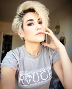 Androgynous Fox Clothing   Rough crewneck Afro Hairstyles, Short Hairstyles For Women, Q Hair, Beauty Industry, Beauty Supply, Key, Androgynous, Hair Beauty, Clothes