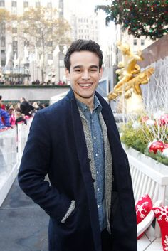 Alberto Rosende as Simon Newest Tv Shows, Favorite Tv Shows, The Last Hunt, Shadowhunters Actors, Beautiful Men, Beautiful People, Alberto Rosende, Simon Lewis, Sci Fi Tv Shows