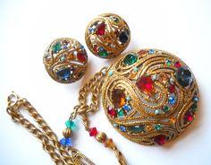 New Fashion Earrings New Fashion Earrings, Fashion Jewelry, Rhinestone Jewelry, Vintage Rhinestone, Antique Jewelry, Vintage Jewelry, Vintage Necklaces, Red Pendants, Fancy Jewellery