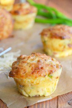 Wytrawne muffinki z szynką i serem żółtym Healthy Style, Baked Potato, Catering, Food And Drink, Pizza, Menu, Bread, Baking, Breakfast