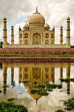 Taj Mahal Reflections, Agra, India.   Source: Flickr / redinkphotography