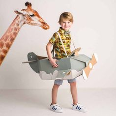 Children's fancy dress costumes: dressing-up costumes and theatre Childrens Fancy Dress, Cardboard Toys, Dress Up Costumes, Craft Activities For Kids, Looks Vintage, Kids Playing, Kids Girls, Art For Kids, Kids Toys