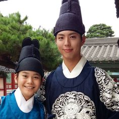 jeongyounseok0430:   this is a photo I took with Park Bogum sunbaenim while filming Moonlight drawn by Clouds