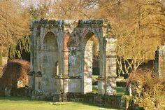 Slaugham Place ruins #weddingvenue #sussexwedding