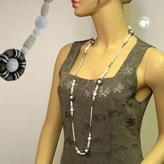 Collier, weiß-altsilber, Kordel hell  Collier mit verschiedenen Kunststoffperlen, Baumwollkordel hellbeige