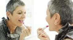 What brands of makeup are good to use on aging skin according to experts?