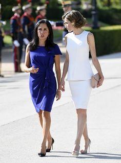 Doña Letizia, de blanco y en su versión más veraniega para recibir al presidente de Perú y su esposa