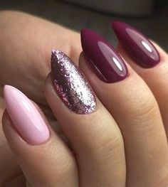 The advantage of the gel is that it allows you to enjoy your French manicure for a long time. There are four different ways to make a French manicure on gel nails. Perfect Nails, Gorgeous Nails, Pretty Nails, Acrylic Nail Designs, Nail Art Designs, Acrylic Nails, Coffin Nails, Nagellack Trends, Nails Design With Rhinestones