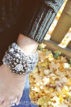 free crochet headband and cuff {pattern}   Little Birdie Secrets