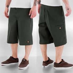 Dickies Short olive www. Dickies Shorts, Baggy Shorts, Work Shorts, Men Shorts, Chicano Clothing, Street Look, Street Style, Dickies Clothing, Outfit