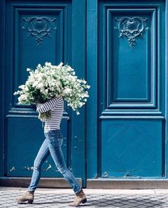 Fiercely Feminine - Spring Bouquet White Lilac is the name of this white lilac fine art print from the Young Girl in Bloom Series photographed in front of a beautiful blue door in St Germain Des Pres Flower Power, Look 80s, My Little Paris, Spring Bouquet, Black Bouquet, Blue Aesthetic, Flower Aesthetic, Shades Of Blue, 50 Shades