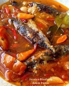 Resep Sarden Pindang Asem Pedas Homemade No MSG oleh Ribka Arini Fish Recipes, Seafood Recipes, Asian Recipes, Cooking Recipes, Spicy Dishes, Fish Dishes, Cute Food, Good Food, Yummy Food