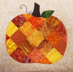 Patchwork Pumpkin Table Runner, close up, at Connecting Threads. Pattern by Shabby Fabrics. Halloween Quilts, Halloween Sewing, Quilted Table Runners, Quilted Table Runner Patterns, Place Mats Quilted, Shabby Fabrics, Fall Quilts, Fall Projects, Mini Quilts