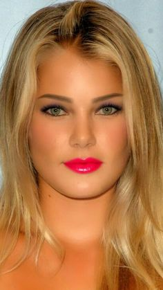 Beautiful Blonde Girl, Beautiful Person, Beautiful Smile, Beautiful Women, Tree Woman, Red Lip Makeup, Cute Beauty, Belleza Natural, Hottest Models