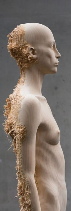 Philipp Mainzer | A R T N A U. Wood sculpture, I love the feathered shaving at the back. That texture is crazy!