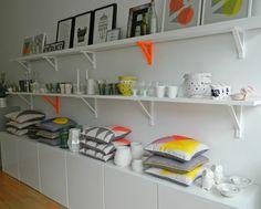 http://homegirllondon.com/wp-content/uploads/2012/08/shop-display-shelving.jpg
