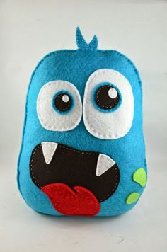 Felt Crafts: 115 incredible photos and steps 52 - Home & DIY Sewing Toys, Sewing Crafts, Sewing Projects, Monster Birthday Parties, Monster Party, Felt Diy, Felt Crafts, Clay Crafts, Monster Toys