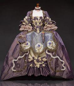 Robe a la francaise rievoca del costume del XVIII secolo Rococo Fashion, Victorian Fashion, Vintage Fashion, Historical Costume, Historical Clothing, Historical Dress, Rococo Dress, 1920s Dress, Vintage Dresses