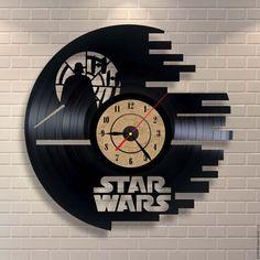 """Часы для дома ручной работы. Ярмарка Мастеров - ручная работа. Купить Часы из пластинки """"Star Wars"""". Handmade. Комбинированный, часы"""
