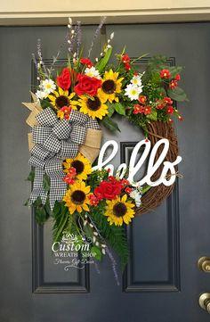 49 New ideas for front door wreaths year round diy Wreath Crafts, Diy Wreath, Grapevine Wreath, Summer Door Wreaths, Wreaths For Front Door, Spring Wreaths, Summer Decoration, Sunflowers And Roses, Year Round Wreath