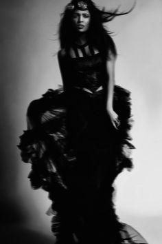 Iris Huber (Ansichtsweise Photography) - Rabia Maddah - hmua Lisa Évoluer Art - dsg Aviatrix.de - Storm Queen
