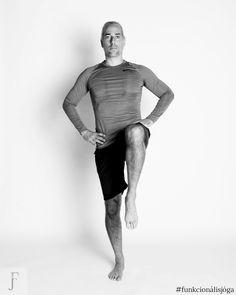 Egyperces csípőízületi gyakorlat merev csípő ellen (megelőzöd a kopást is) Greek, Statue, Workout, Fitness, Sports, Hs Sports, Work Out, Sport, Greece