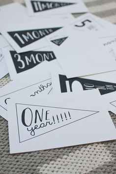 free to download, baby milestone cards  #raeannkellypins #rakpinparty