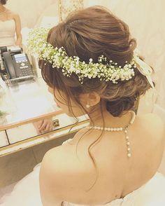 華奢なかすみ草のハクレイがナチュラルでとてもお似合いでした ゆるくふんわり、髪の毛がパサつかないできれいに見えるように♡ #hawaii#hairmake#hairarrange#hairset#makeup#weddinghair#hawaiihairmake#bridephoto#photoshooting#TerraceByTheSea#TheTerraceByTheSea#53ByTheSea#TAKAMIBRIDAL#テラスバイザシー#タカミブライダル#ハワイウェディング#ハワイヘアメイク#ウェディングヘア#ヘアメイク#ヘアスタイル#ヘアセット#ヘアアレンジ#メイクアップ#花嫁#プレ花嫁#オシャレ花嫁#ウェディング#美容師#ハクレイ#かすみ草