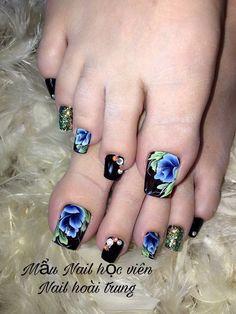 Toenail Art Designs, Pedicure Designs, Pedicure Nail Art, Toe Nail Designs, Toe Nail Art, Acrylic Nail Designs, Black Toe Nails, Pretty Toe Nails, Nails & Co