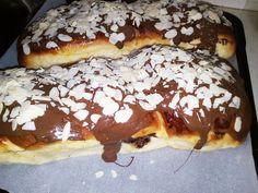 Πώς να φτιάξετε τα φανταστικά Τσουρέκια με Ζαχαρούχο γάλα! - Toftiaxa.gr Breakfast, Food, Food Food, Morning Coffee, Essen, Meals, Yemek, Eten