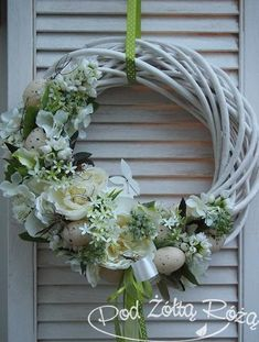 wiosna1 Fabric Wreath, Diy Wreath, Door Wreaths, Grapevine Wreath, Wedding Wreaths, Easter Wreaths, Summer Wreath, How To Make Wreaths, Easter Crafts