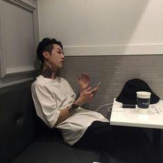 Korean Ulzzang Boys - Models male Style/Trends/Look Hair cut and Korean Boys Ulzzang, Cute Korean Boys, Ulzzang Boy, Korean Men, Asian Boys, Asian Men, Ulzzang Couple, Pelo Ulzzang, Korea Boy