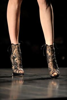 Christian Dior lace shoes