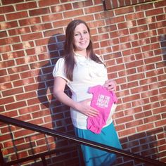The beautiful Mrs.Anna Duggar with one of the 2 unborn grandduggars! It's a girl also she is holding a pink onesie up to her very pregnant belly! Josh Duggar Family, Bates Family, Duggar News, Duggar Pregnant, 3 Kids, Children, Derick Dillard, Joshua James