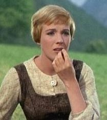 julie andrews in the sound of music <3