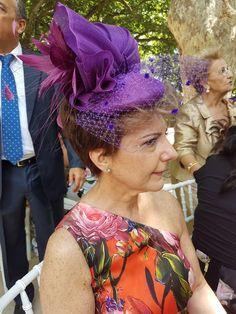 tocado en seda y redecilla morados www.modadetemporada.es