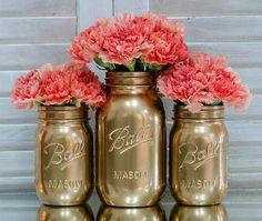 vases fleurs or