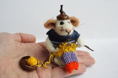 Needle felt Mouse. Mouse knit. Mouse is knitting. Mouse with acorn hat. Tiny knitting Mouse White Mouse Gift for knitting lover Animal knits by OlgaHappyHandmades on Etsy